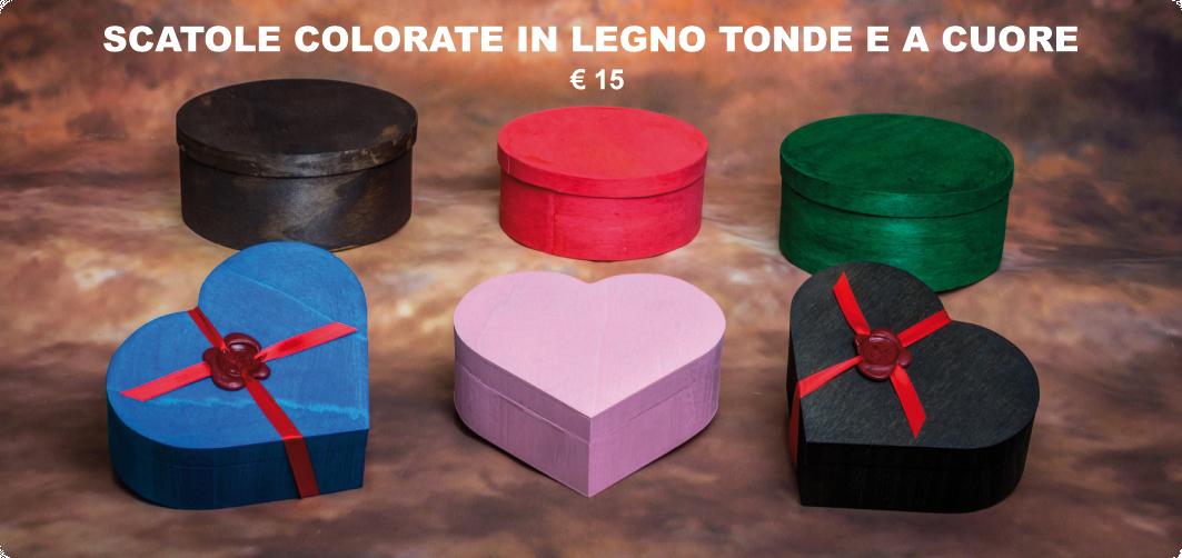 scatole colorate in legno tonde e cuore €15